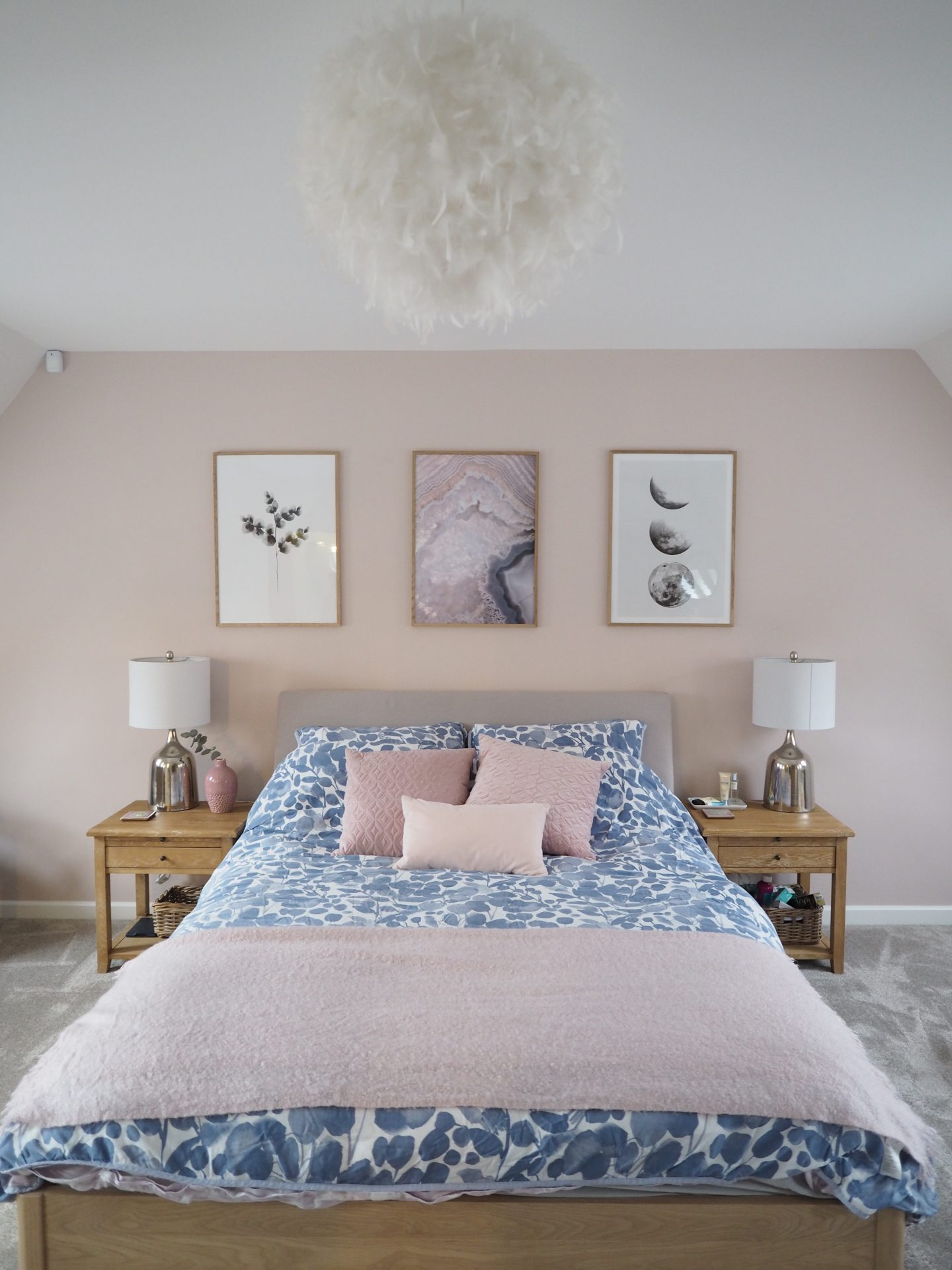 gray and pink bedroom pink and grey bedroom makeover reveal a junkie in 15447