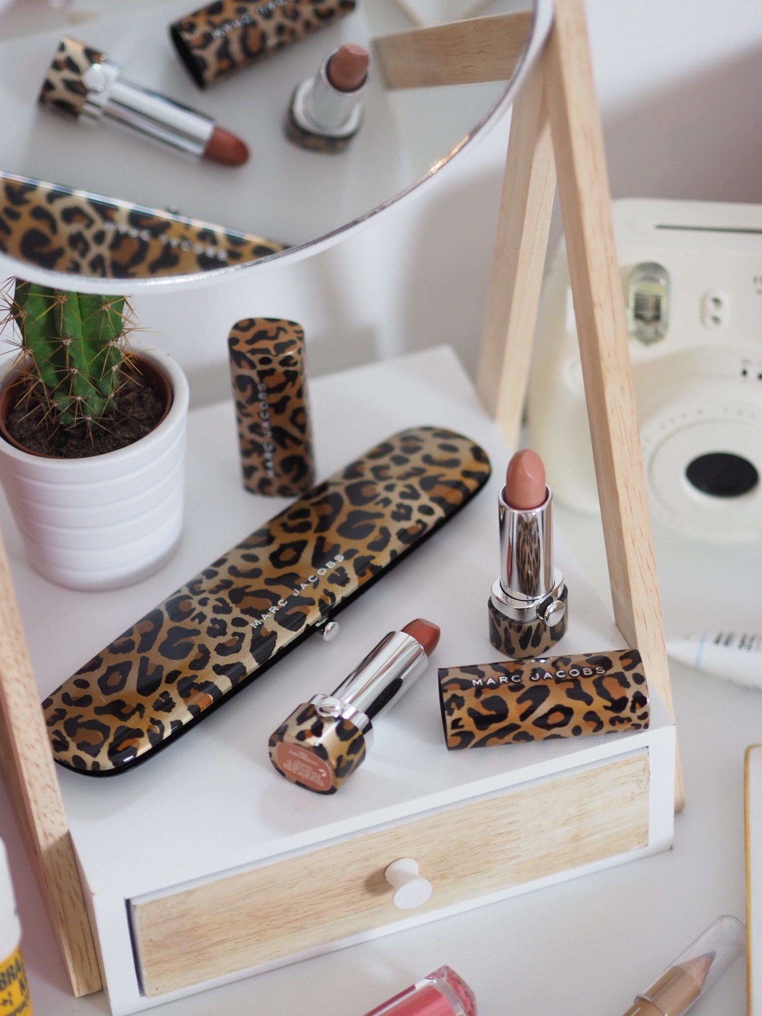 Marc Jacobs Leopard Frost
